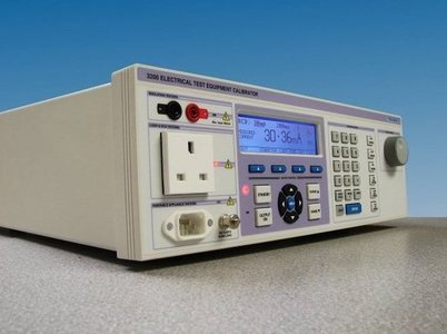 Transmille 3200 A - Kalibrator für Elektrotester