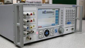 Transmille Multifunktionskalibrator 4015